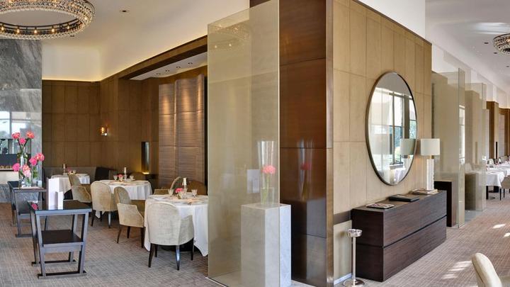 h tel beau rivage palace h tel 5 toiles le restaurant anne sophie pic lausanne suisse. Black Bedroom Furniture Sets. Home Design Ideas